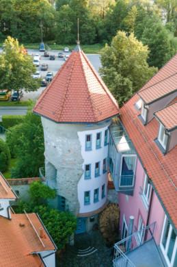 Pfiffige Gewerbeinheit im mittelalterlichen Vötschenturm von Bad Waldsee, 88339 Bad Waldsee, Bürofläche