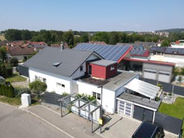 Vielseitiges Wohnhaus mit zusätzlichem Gewerbegrundstück in Aulendorf, 88326 Aulendorf, Einfamilienhaus
