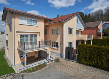 Vielseitiges Zweifamilienhaus – als Ensemble – in stadtnaher Lage von Ravensburg!, 88212 Ravensburg, Zweifamilienhaus