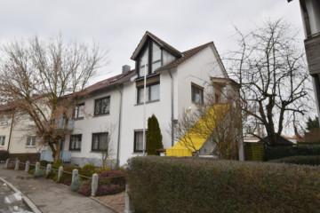 Vielseitiges 3‑Familienhaus in Ravensburg Weissenau, 88214 Ravensburg / Weißenau, Mehrfamilienhaus