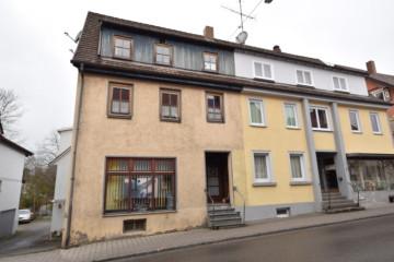 *Wilhelmsdorf-Zentrum* – Mehrfamilienhaus im Sanierungsgebiet,  Wilhelmsdorf, Mehrfamilienhaus