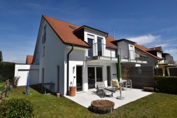 Ansprechende + neuwertige Doppelhaushälfte in ruhiger, seehnaher Lage von Langenargen (Bodensee), 88085 Langenargen, Doppelhaushälfte
