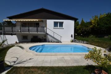 Freistehendes Ein-/Zweifamilienhaus und Pool in bevorzugter Lage von RavensburgSüd, 88214 Ravensburg, Zweifamilienhaus