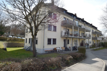 Großzügige 4‑Zimmer Wohnung mit Potential in Weingarten, 88250 Weingarten, Etagenwohnung