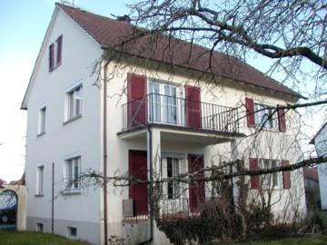 3‑Familienhaus mit sonnigem Grundstück in Meckenbeuren, 88074 Meckenbeuren, Mehrfamilienhaus