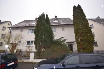 Renovierungsbedürftige DHH mit schönem Grundstück in Baienfurt, 88255 Baienfurt, Doppelhaushälfte