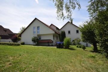 Pfiffige 2,5 Zi. Wohnung in idyllischer Lage von Baindt, 88255 Baindt, Dachgeschosswohnung