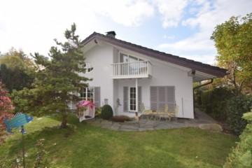 Großzügiges Einfamilienhaus mit ELW bei Ravensburg Obereschach, 88074 Meckenbeuren, Einfamilienhaus