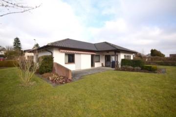 Gepflegtes Einfamilienhaus mit großem Grundstück in Altshausen, 88361 Altshausen, Einfamilienhaus